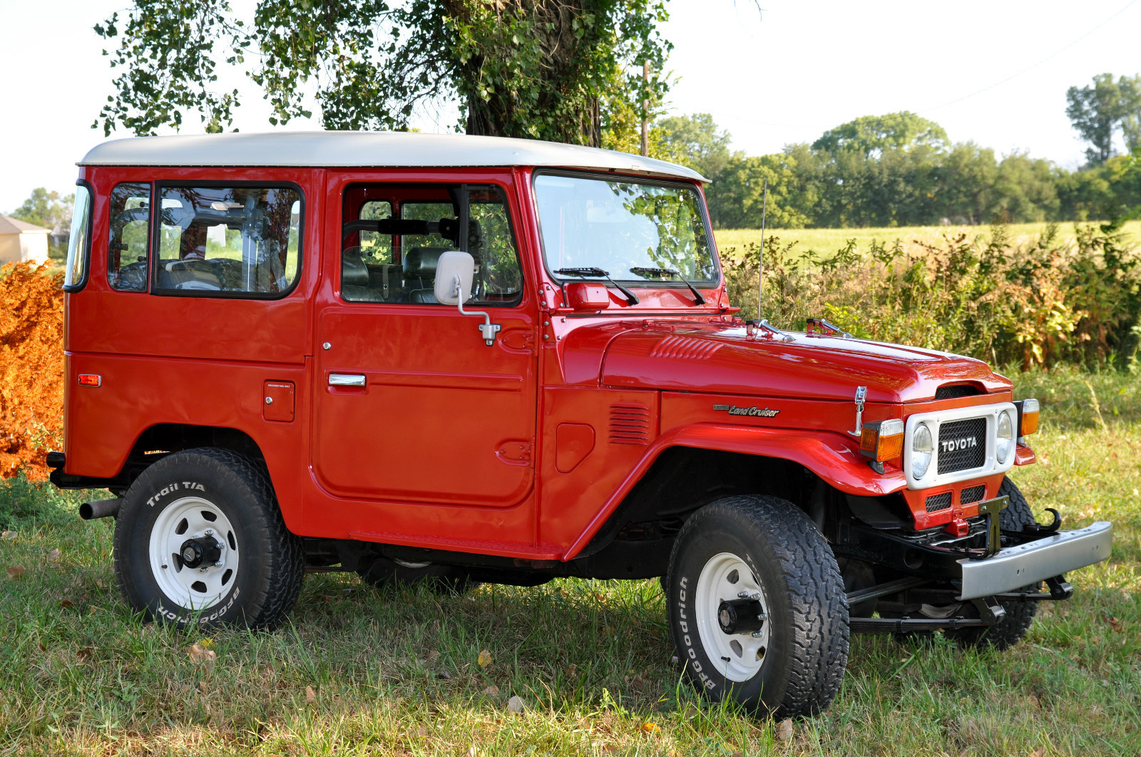 1983 toyota land cruiser red fj40 restored 4x4 c land cruiser of the day. Black Bedroom Furniture Sets. Home Design Ideas