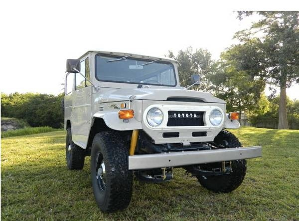 toyota-land-cruiser-1971-4x4-frame-off-restoration-tan-clean-mint-classic-car-a