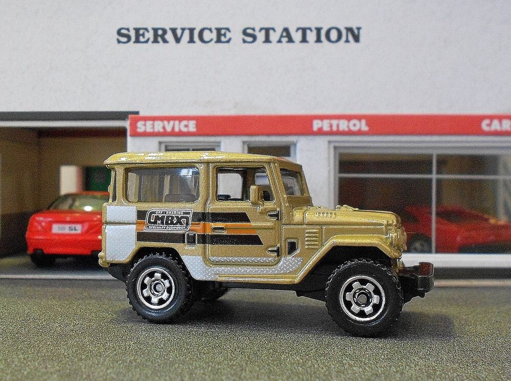 Toyota Land Cruiser FJ40 (Matchbox Toy Car)